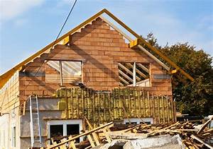 Altes Haus Umbauen Kosten : ein altes haus wird neue d mmung und neue dach renoviert ~ Lizthompson.info Haus und Dekorationen