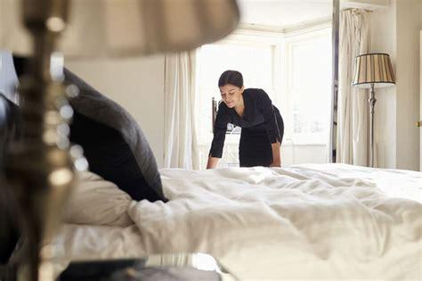 hotel femme de chambre une femme de chambre fait condamner un palace parisien