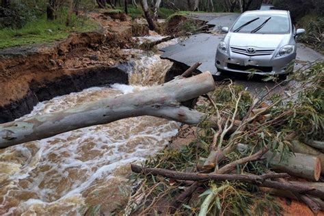 damage flood montacute adelaide road australia hills south abc flooding damaged weather river closes trails walking place ease conditions courtesy