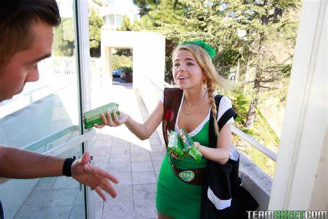 Curly Scout Troop Leader Alina West Model Scout Alina West Facial In Her Cookie