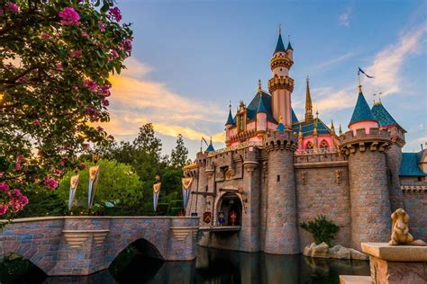 Anaheim Disneyland Disneyland Tour In The City Of Anaheim California Usa
