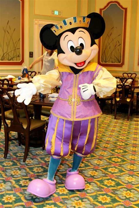 mickey mouse royal banquet hall shanghai disneyland tdr explorer