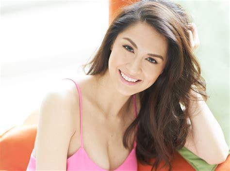 Top 10 Most Beautiful Asian Women – toptenslists