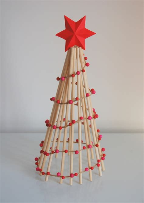 diy wooden dowel christmas tree