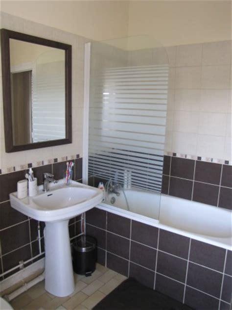 salle de bain carrelage 2 couleurs