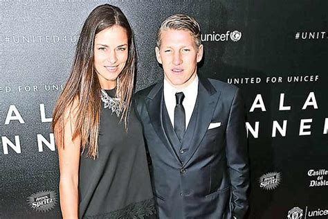 This page will answer that question! Boyfriend support for Ivanovic - DTNext.in