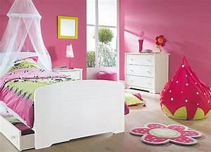 Deco Chambre Fille Princesse : quelles nuances pour la chambre de ma princesse ~ Teatrodelosmanantiales.com Idées de Décoration