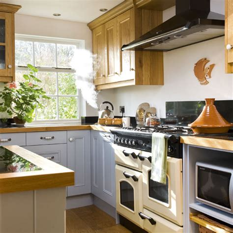 kitchen designs with range cookers range cooker kitchens kitchen ideas image ideal home 8033