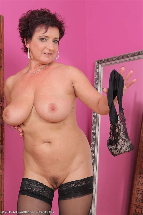 Mature Pictures Featuring 52 Year Old Jessica Wild From