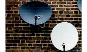 Sat Schüssel Installieren : so geht 39 s installation einer satelliten anlage pc magazin ~ Frokenaadalensverden.com Haus und Dekorationen