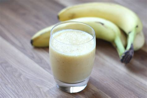 banana smoothie how to make banana juice 13 health benefits