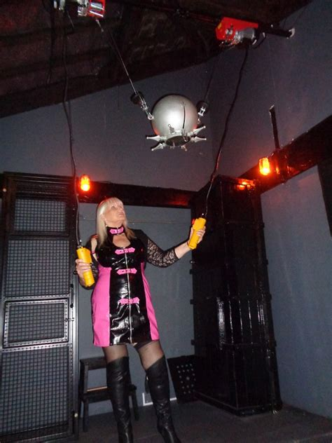 mistress lindas leeds chambers professional dominatrix