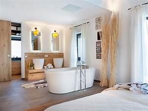 Freistehende Badewanne Im Schlafzimmer : b der familienbad wellnessoase dusch wc schwoererhaus ~ Bigdaddyawards.com Haus und Dekorationen