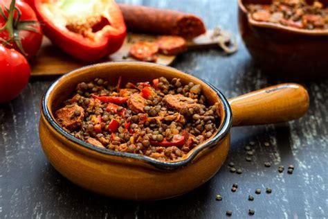 lentilles vertes au chorizo poivron  tomates amandine