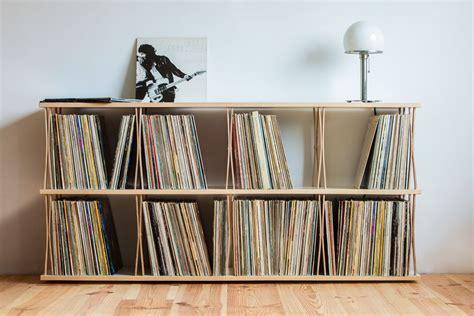 sideboard mit schallplatten aus vinyl meuble