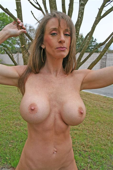 Big Tits 11 Full Frontal Nudity High Definition Porn Pic