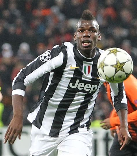Pictures of Juventus Soccer Players