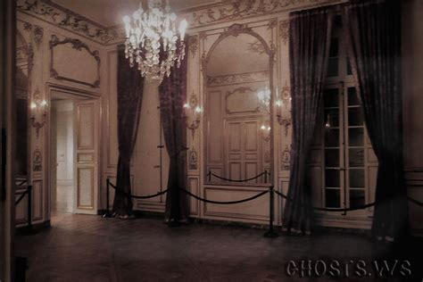 Haunted Attractions In Pa And Nj by Inside Haunted Houses Paranormal Light Streaks Webcam Verbania