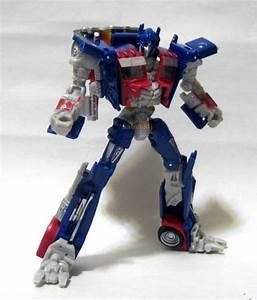 Transformers Dark Of The Moon Deluxe Class Optimus Prime ...
