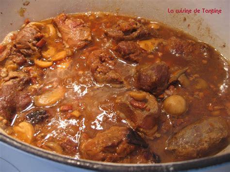 cuisiner les joues de porc joue de porc aux artichauts et tomates de tantine