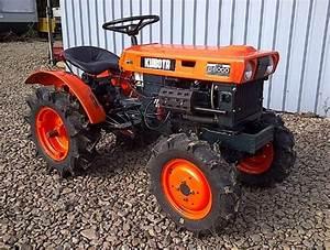 Kubota B6000 Tractor Service Repair Workshop Manual