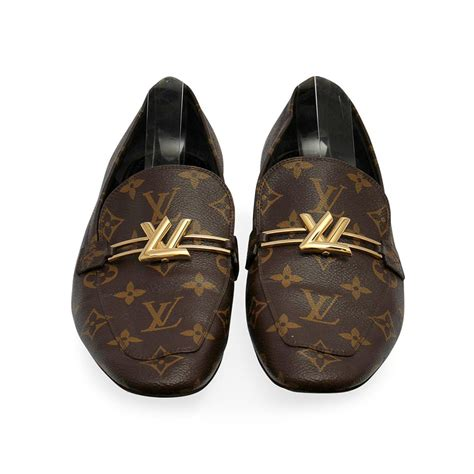 louis vuitton monogram uppercase loafers    luxity