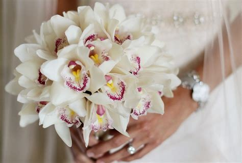 elena damy white bridal bouquets  beach weddings