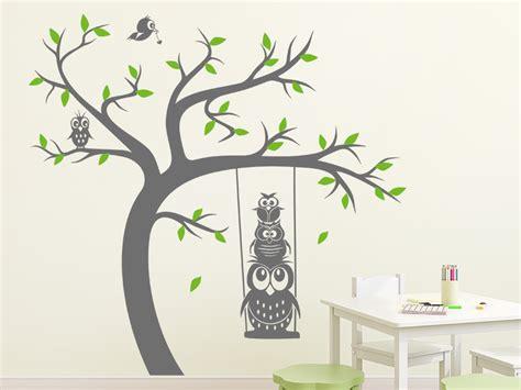 Wandtattoo Kinderzimmer Baum by Wandtattoo Baum Mit Schaukel Und Eulen Wandtattoo De