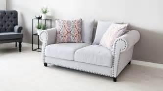 buntes sofa suelos de vinilo ventajas y consejos para elegir westwing
