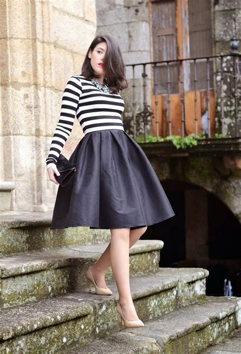 25 Trendy Midi Skirts Outfits - Pretty Designs