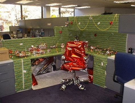 office desk christmas decorations 20 creative diy cubicle decorating ideas hative