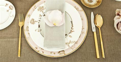 Servizio di piatti in porcellana: eleganza e lusso