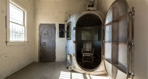 execution chambre a gaz oklahoma considers gas chambers to execute row inmates