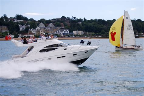 Motor Boat Hire Uk by Lymington Motor Boat Hire And Corporate Events