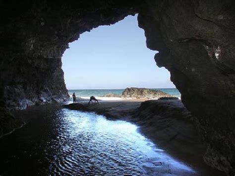 hiking   aboveground caves  hawaii  give