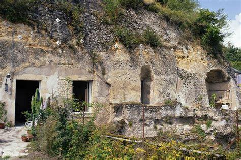 chambre troglodyte amboise 6sqft chez helene amboise troglodyte cave home