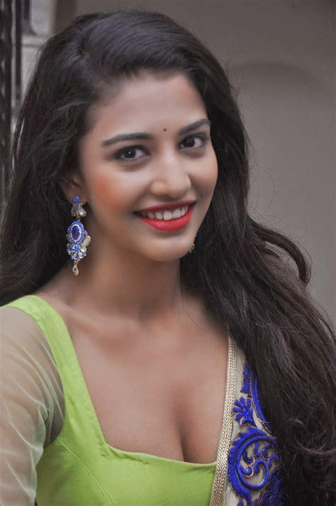 Lg Moviee Actress Daksha Nagarkar Hot Photo Gallery