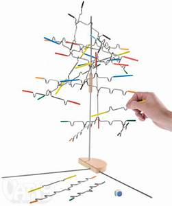 Suspend: The delicately unbalanced balancing game from