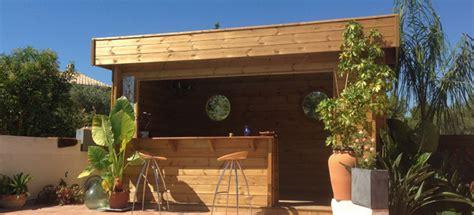 pool house en bois espace de vie et d 233 tente