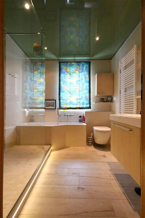 badewanne mit stufe referenzbad mit gro 223 er dusche und badewanne herrmann