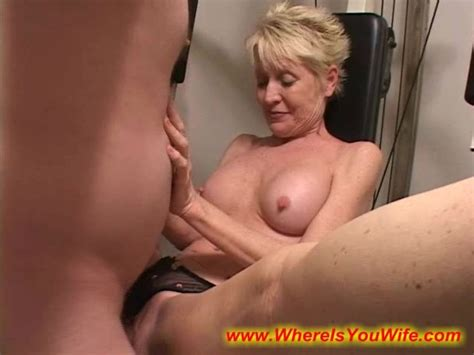 Seductive Blonde Mature Housewife Enjoys Fucking With A