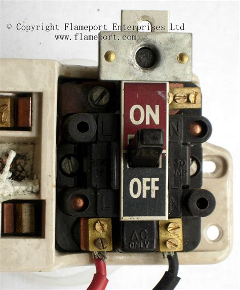 Fuse Box Switch I by Gec Metal 3 Way Fusebox