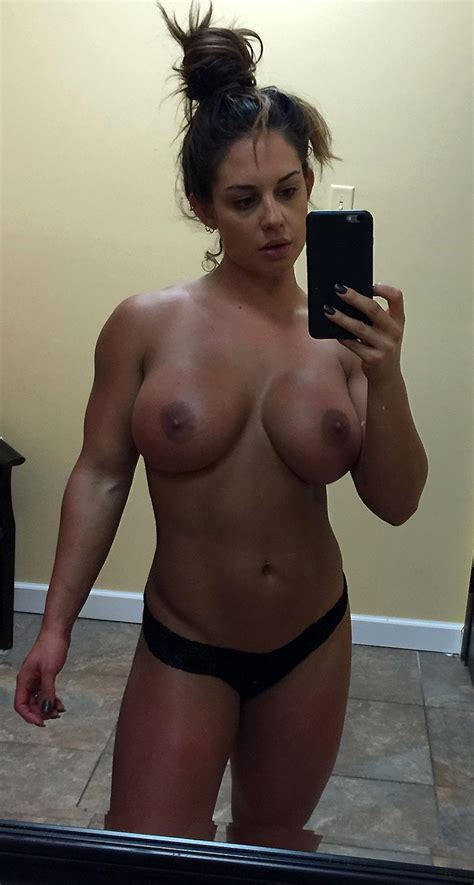 WWE Kaitlyn Nude On Private Leaked Photos Scandal Planet