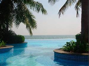 The 6 Most Incredible Infinity Pools – The Far Horizon ...