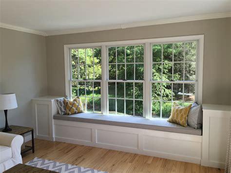 choose   cushion   window seat