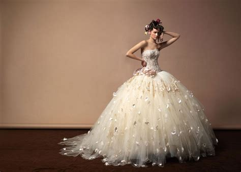Gorgeous Wedding Dresses From Ukraine