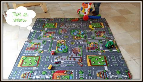 tapis de jeu pour petites voitures un nouveau d 233 part regards d enfants