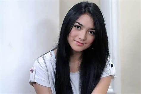 artis cantik indonesia kirana larasati artis seksi abg