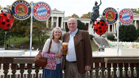 The oktoberfest is the world's largest volksfest (beer festival and travelling funfair). Bayern Munich drown their sorrows during Oktoberfest | Goal.com