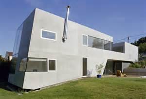 Moderne Häuser Aus Beton by Haus P In Klosterneuburg A Dreieckige Betonklappen